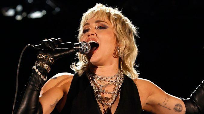 Miley Cyrus Queen NCAA